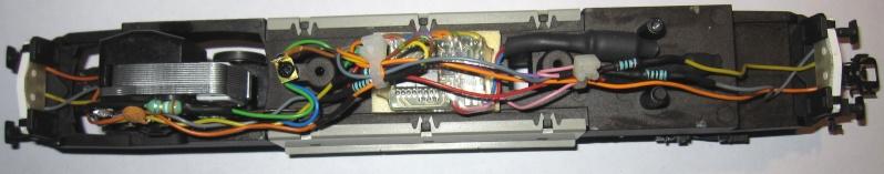 Amélioration du câblage du kit Märklin 60760 sur Re 460 Img_0129