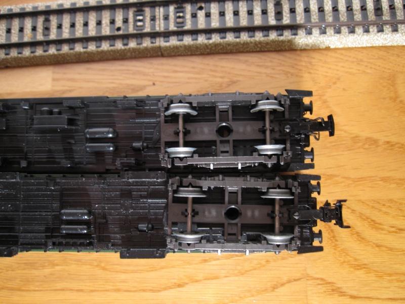Attelages pour voitures Märklin sans système d'élongation Img_0259