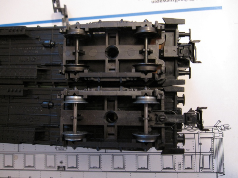 Attelages pour voitures Märklin sans système d'élongation Img_0260