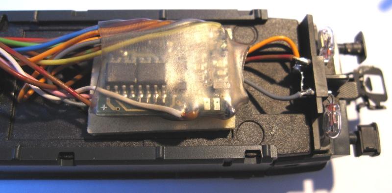 Amélioration du câblage du kit Märklin 60760 sur Re 460 Img_0336