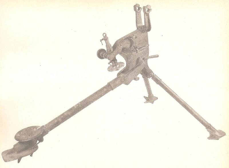 affut mitrailleuse hotchkiss 1914 111