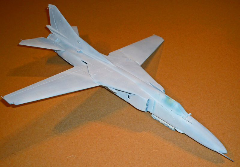 """MiG-27 """"Flogger-D""""; Trumpeter 1/48 - Page 2 P1100111"""