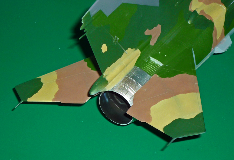"""MiG-27 """"Flogger-D""""; Trumpeter 1/48 - Page 3 P1100213"""