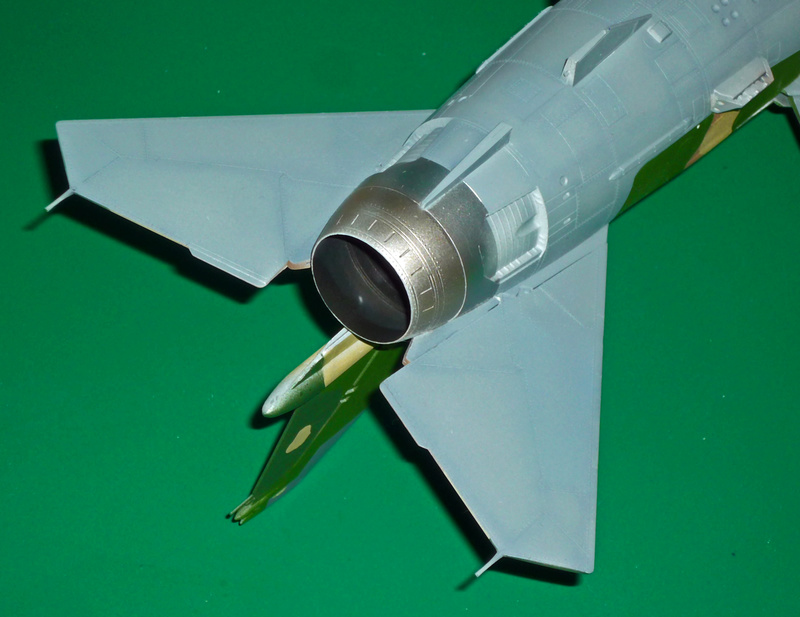"""MiG-27 """"Flogger-D""""; Trumpeter 1/48 - Page 3 P1100214"""