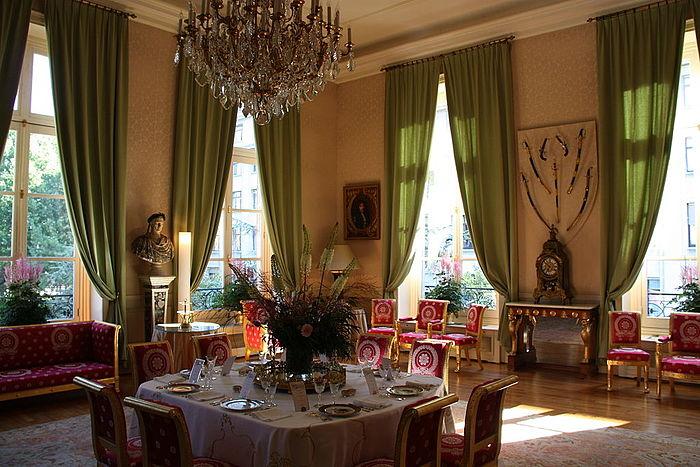 Visite d'Etat de Son Excellence M. Jean-Christophe Mariani, Président de la République de Francovie Hotel_10