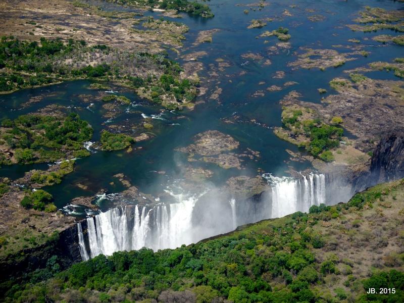 Les Chutes Victoria, au Zimbabwe P1060915