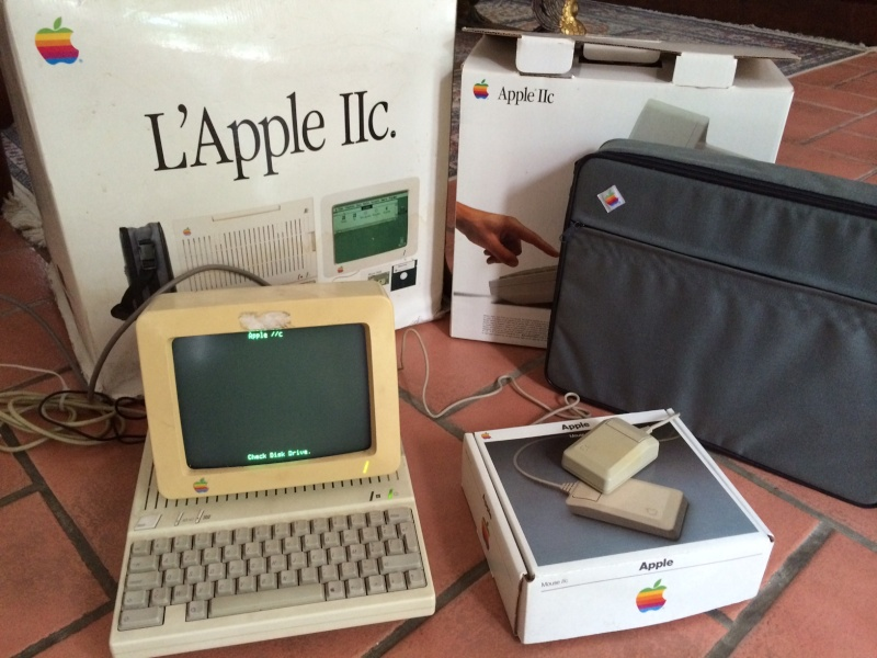 Apple IIc en boite et MSX Pioneer PX-7 Photo11