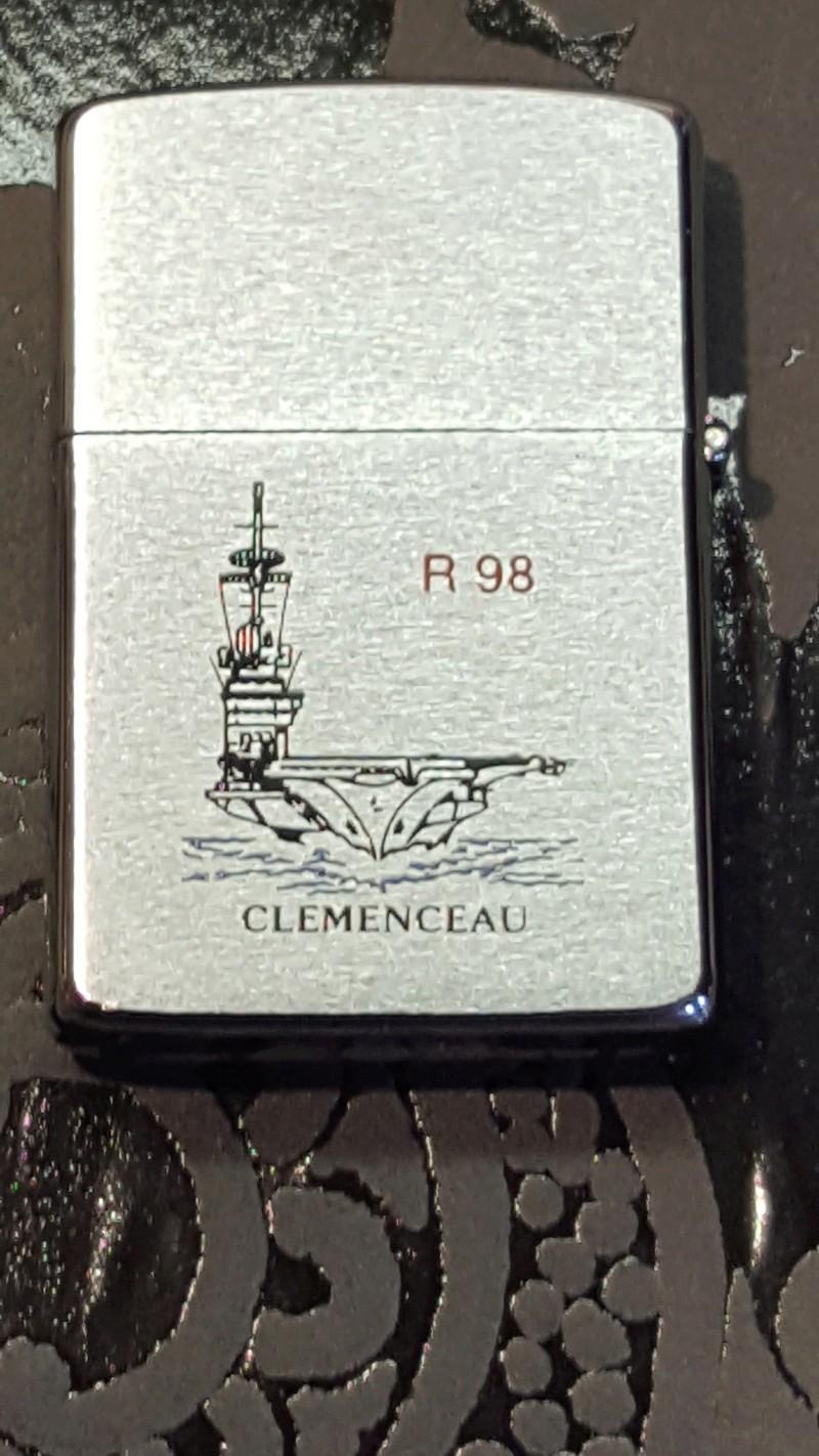 Porte avion CLEMENCEAU double face Neuf de 1989 En_ven12