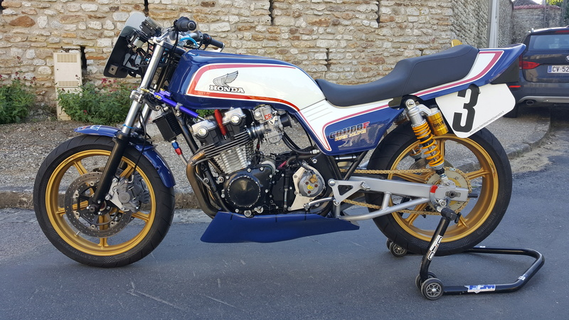 future cb 1100 f superbike   - Page 3 002_410