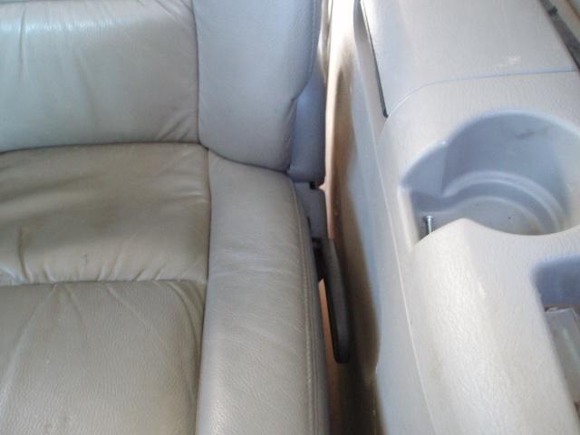 PapyKy, Vend deux sièges centrale et vide poche S4 de 2004 en tissu gris. P1017223