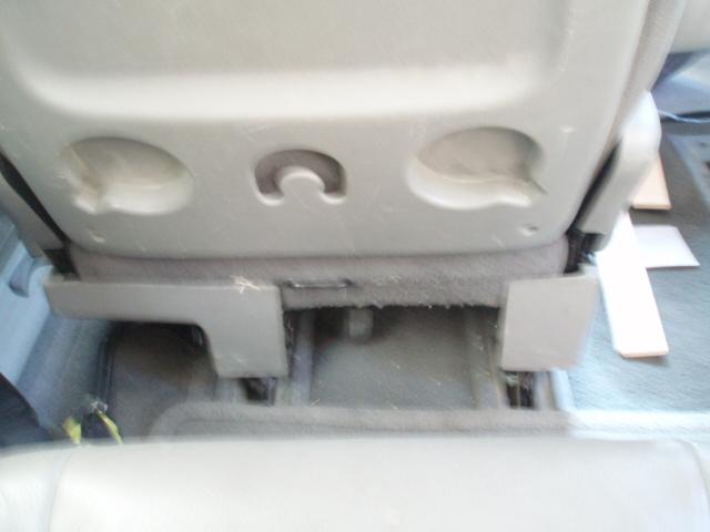 PapyKy, Vend deux sièges centrale et vide poche S4 de 2004 en tissu gris. P1017225
