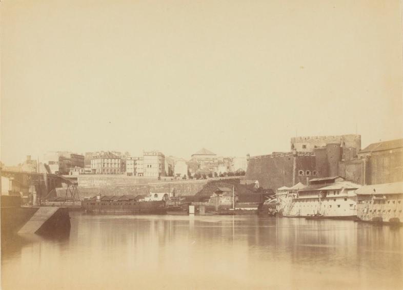 Identification de navires - Page 29 1885_v10