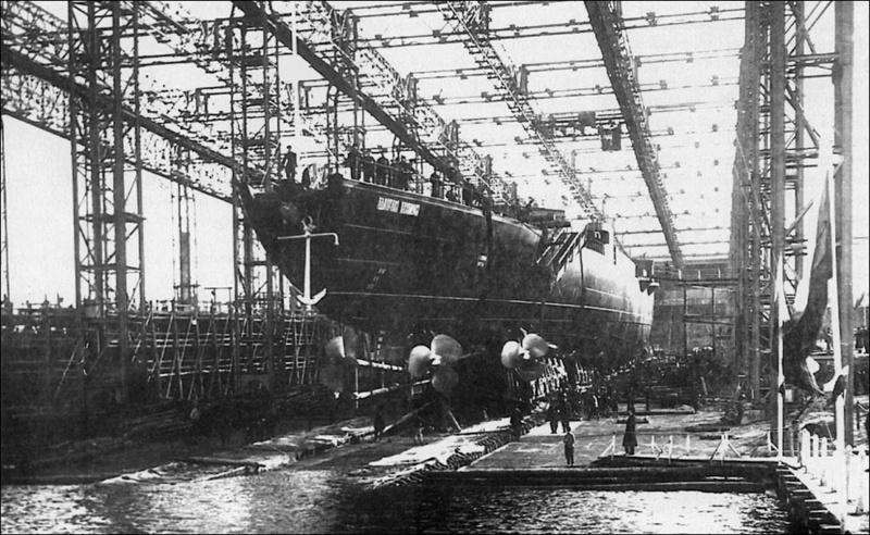 Croiseurs russes/soviètiques  - Page 2 Admira10