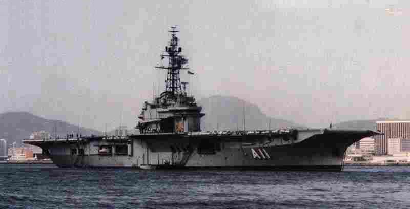 Porte-avions classe COLOSSUS britannique. Minas_11