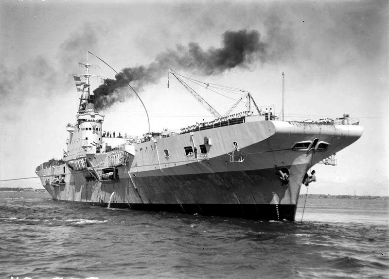 Porte-avions classe COLOSSUS britannique. Pionee10