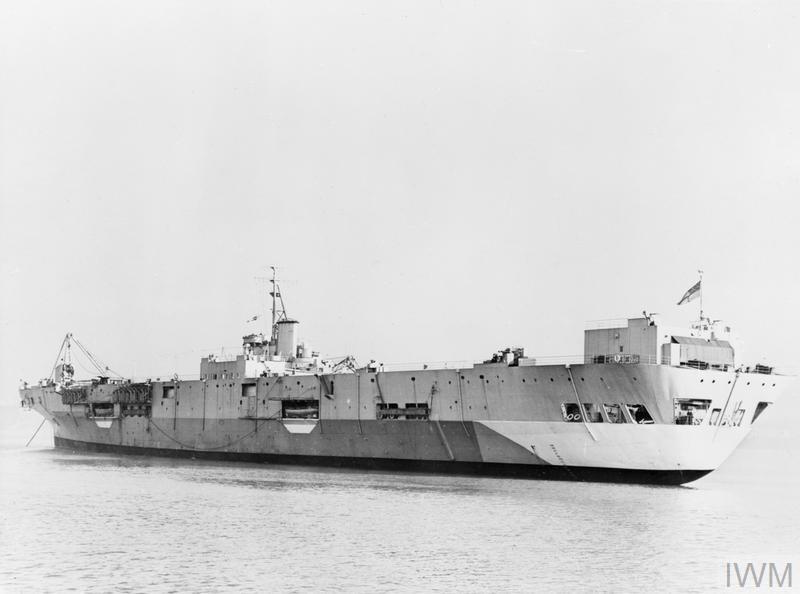 Porte-avions classe COLOSSUS britannique. Pionee11