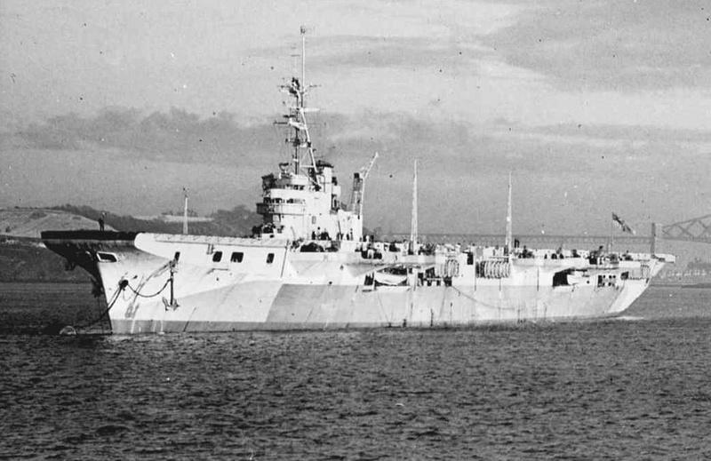 Porte-avions classe COLOSSUS britannique. Vengea10
