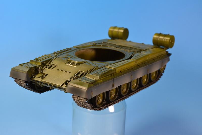 T-80B von Trumpeter in 1:35 Dsc_0017
