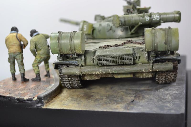T-80B von Trumpeter in 1:35 Dsc_0022