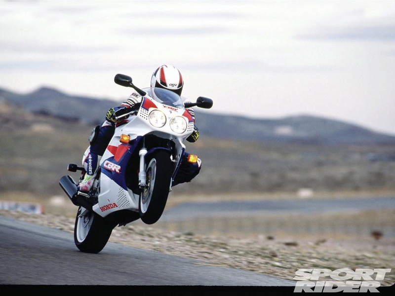 Honda 900 CBR - Page 7 18839210
