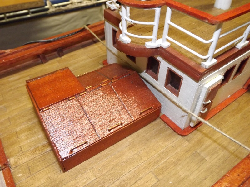 chantier naval de poisy(haute savoie):construction du belem au 1/37e - Page 3 Dscf1213