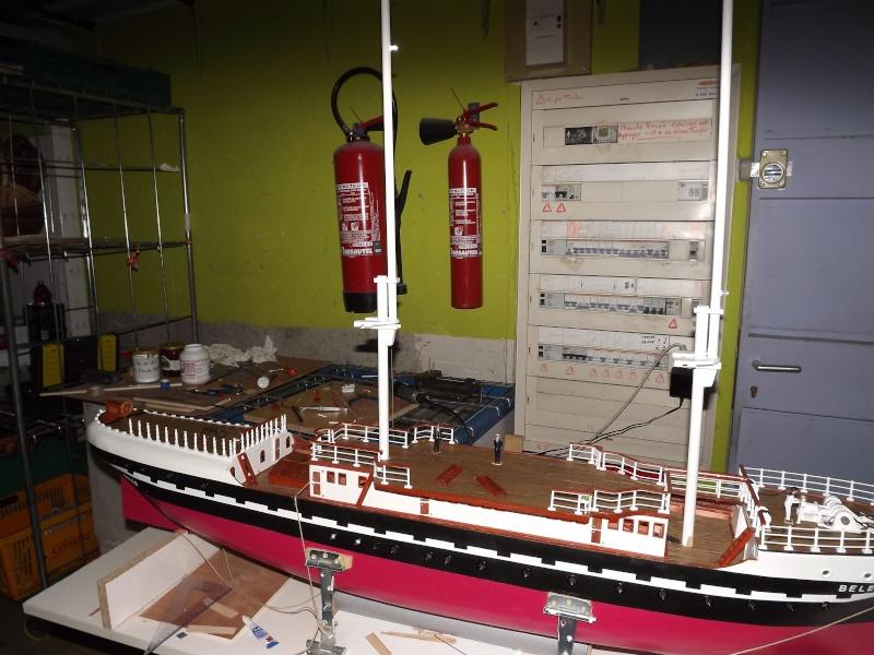 chantier naval de poisy(haute savoie):construction du belem au 1/37e - Page 3 Dscf1215