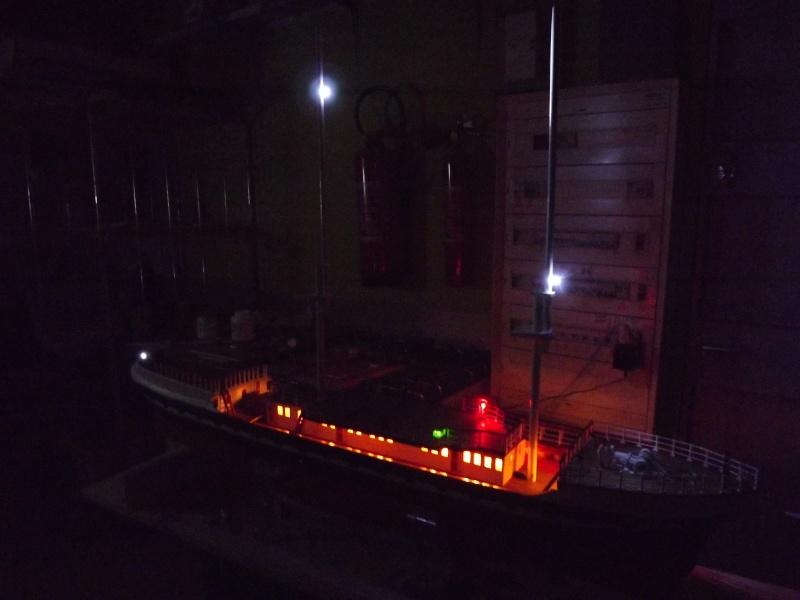 chantier naval de poisy(haute savoie):construction du belem au 1/37e - Page 3 Dscf1218