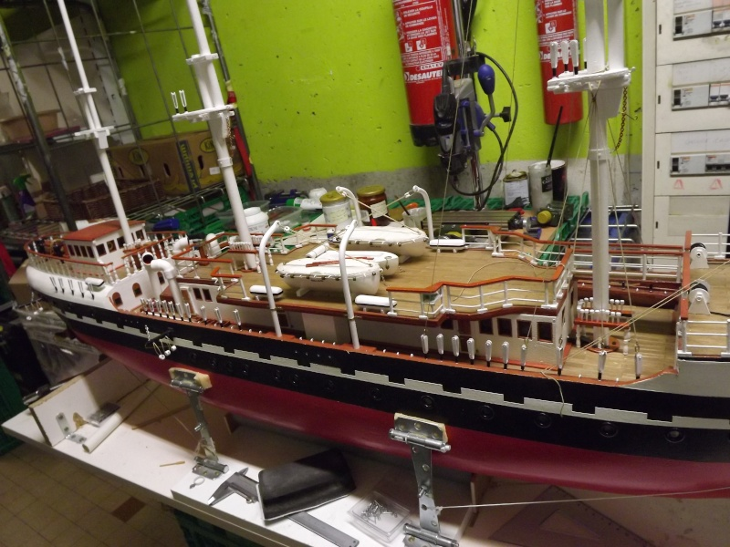 chantier naval de poisy(haute savoie):construction du belem au 1/37e - Page 5 Dscf1314