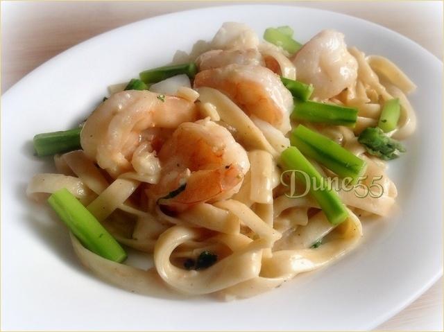 Linguini aux crevettes et aux pétoncles, sauce crème au vin blanc 1ke4xb20