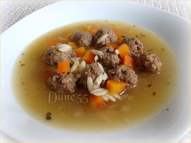Soupe nourrissante aux boulettes à l'italienne 6iy4mi10