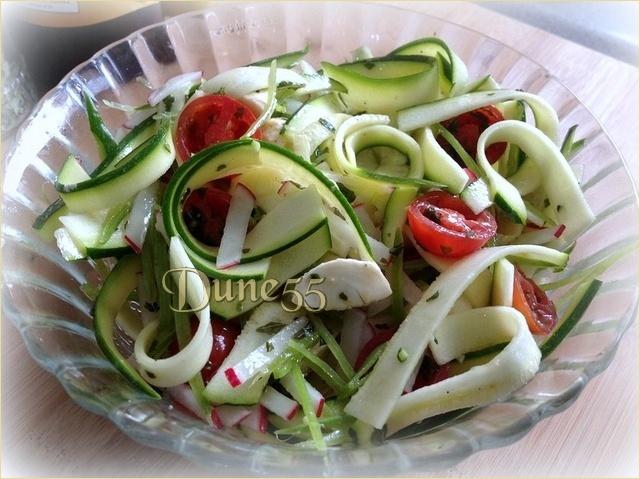 Salade de ruban de courgette Npgdfz10