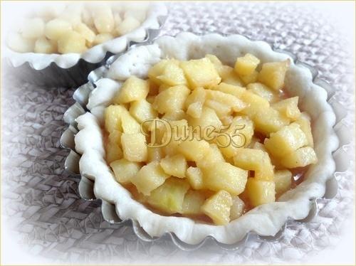 Tarte crumble aux pommes et caramel beurre salé Yokhnk11