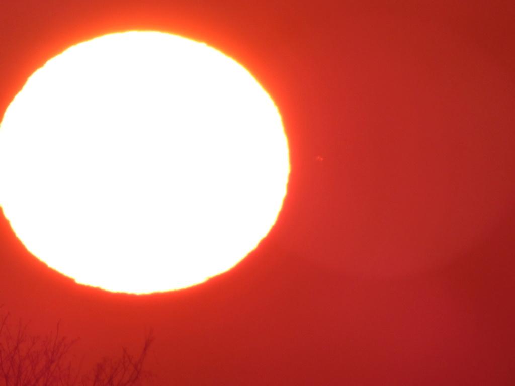 Observation de 2 objets près du Soleil P1900813