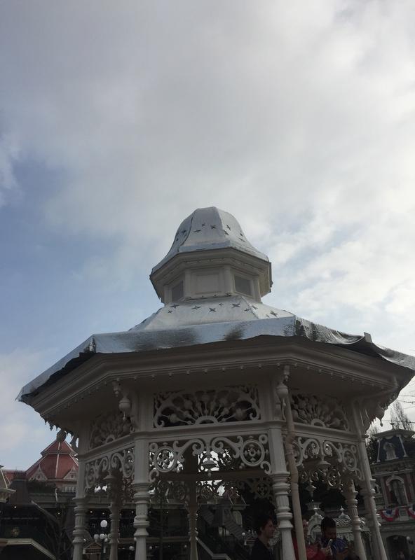 [Saison] 25ème Anniversaire de Disneyland Paris (à partir du 26 mars 2017) - Page 38 Img_1510