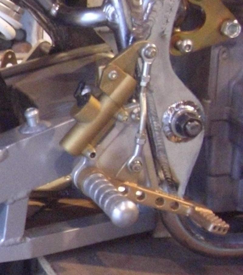 montage maitre cylindre AR  Jp_6a10