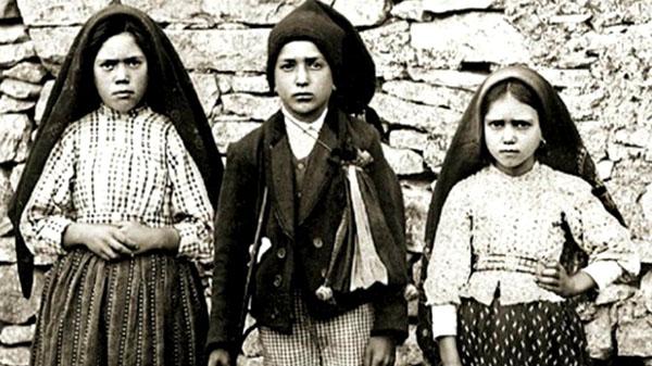 A Fatima, le message d'espérance et de conversion de la Très Sainte Vierge Marie. Les_tr10