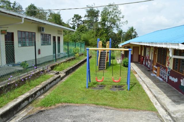 Bangunan Sekolah  Dsc_0010