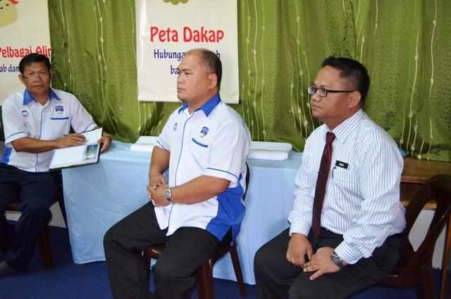 Taklimat dan Lawatan PPD Bau ke sekolah Dsc_0311