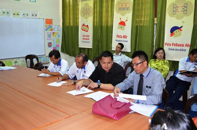 Taklimat dan Lawatan PPD Bau ke sekolah Dsc_0312