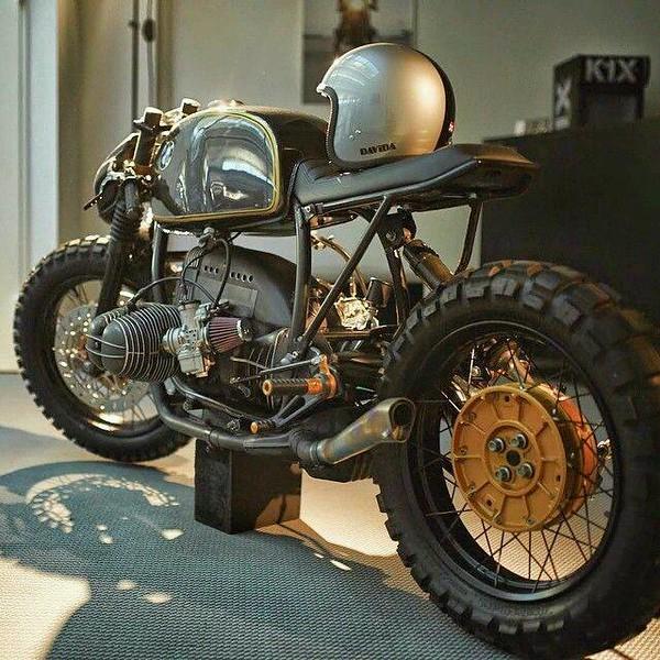 PHOTOS - BMW - Bobber, Cafe Racer et autres... - Page 12 11203210