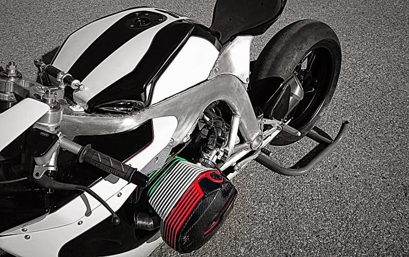PHOTOS - BMW - Bobber, Cafe Racer et autres... - Page 12 Scm_bm10
