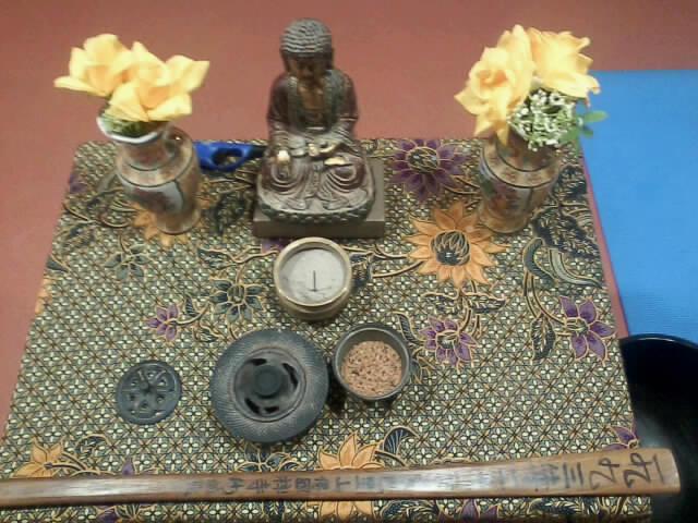 Aménager un autel bouddha dans une chambre ?? Photo010