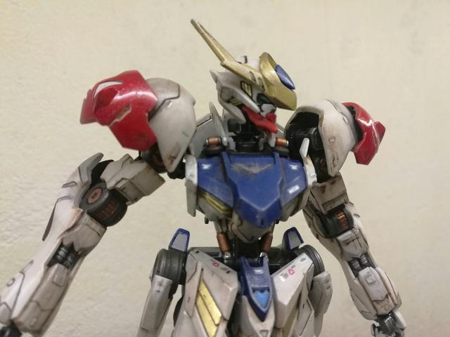 Gundam Lupus HG 1/144 no paint Img_2053