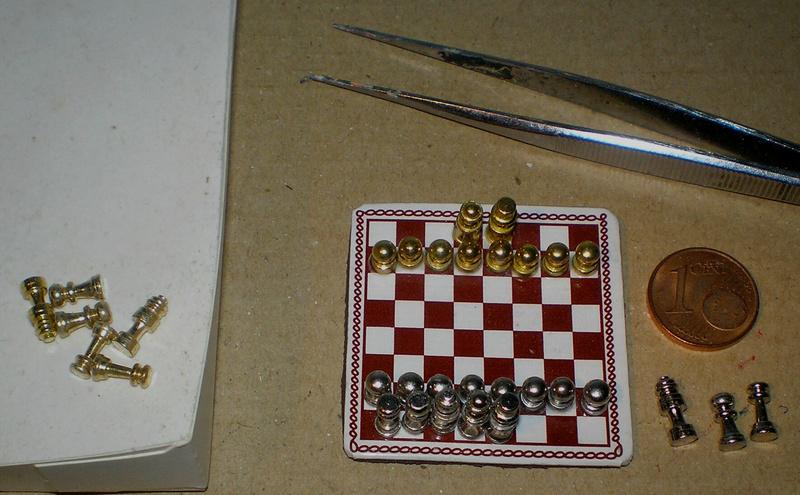 Möbel, Geschirr und ähnliche Kleinteile zur Figurengröße 7 cm 021b_s10