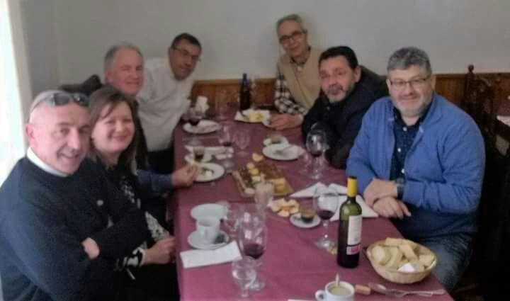 Comida entre amigos Img-2012