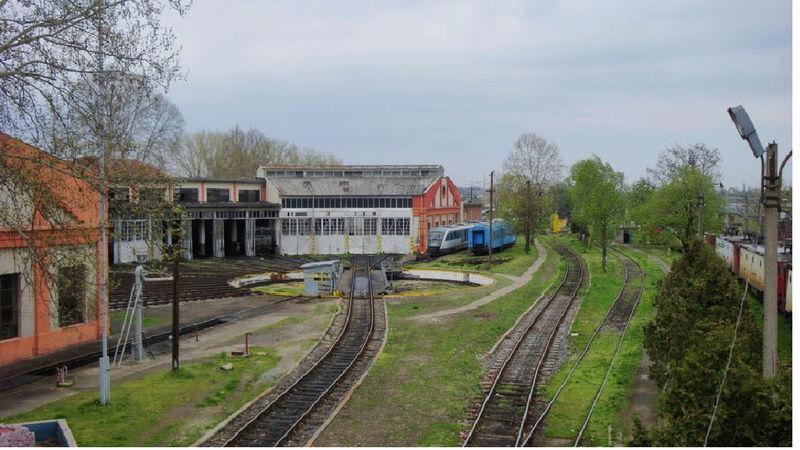 A la recherche des rotondes ferroviaires - Page 4 Rotond12