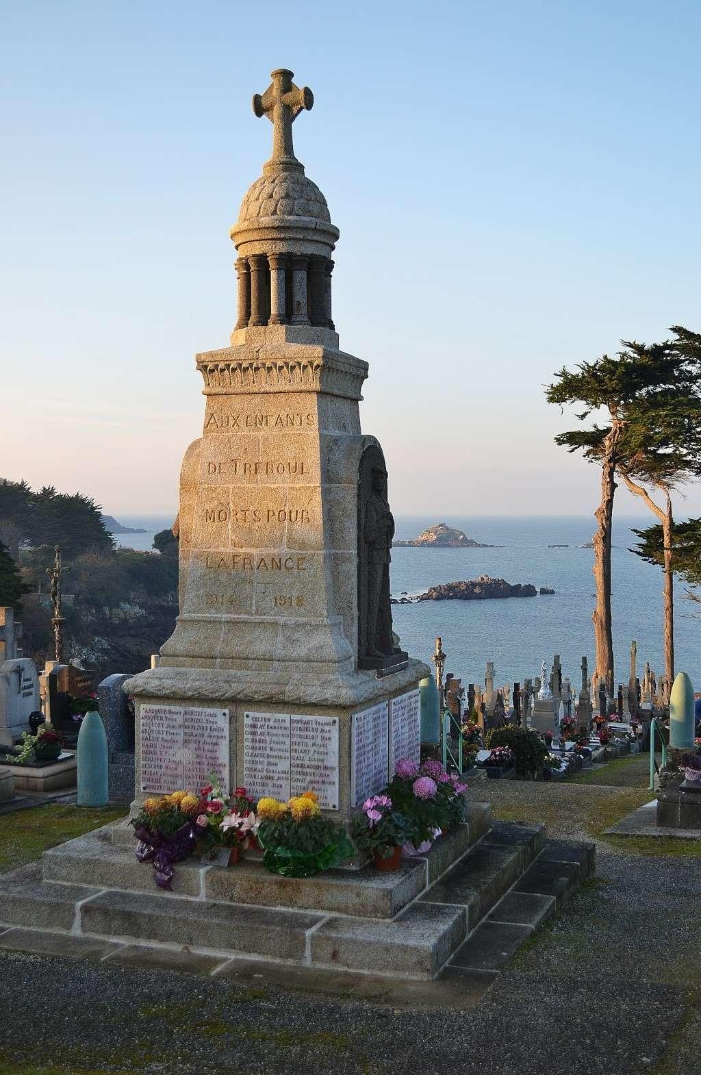[Histoires et Histoire] Monuments aux morts originaux Français Tome 1 - Page 12 Dsc_0021
