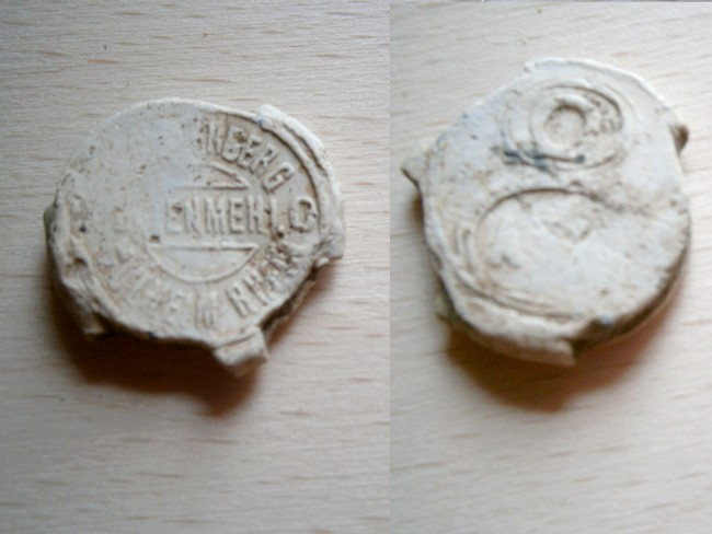 """073 - Plombs de scelle """"J. Sybergerg - Mülheim am Rhein"""". Plomb234"""