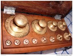 Les bustes prestigieux -(Jeu de boules sous les huttes)- Nouveau thème Dardanesque  - Page 2 Poids10