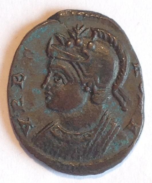 Assoc. numismatique du Centre - Page 2 Urbs_r15